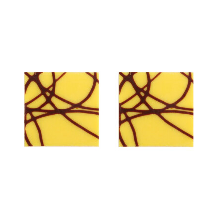 plate yellow with lines 3x3 cm